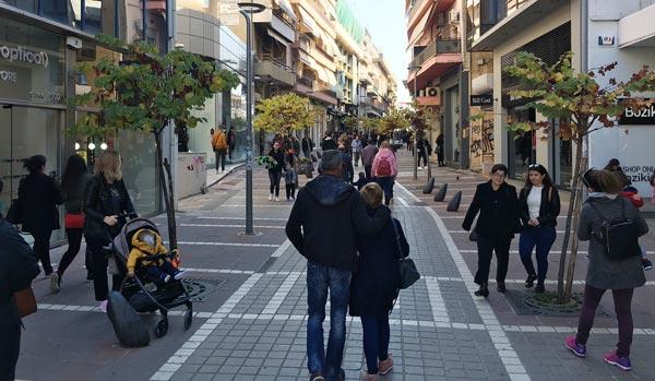 Γιάννενα: Κυριακάτικη βόλτα στην αγορά χωρίς πολλά ψώνια!