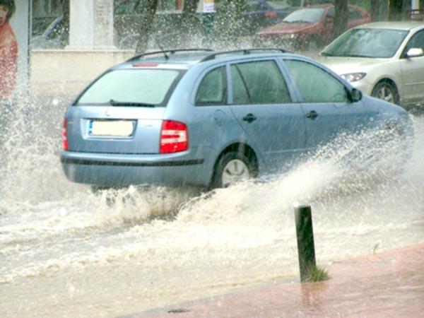 Γιάννενα: Ζημιές και ακύρωση εκδηλώσεων από τη σφοδρή καταιγίδα του Σαββάτου!