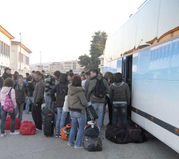 Γιάννενα: Το Υπουργείο Παιδείας να καλύπτει το κόστος των εκπαιδευτικών εκδρομών