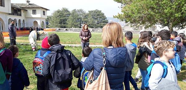 Ήπειρος: «Μάθημα» εθελοντισμού έκαναν χθες 500 μαθητές!
