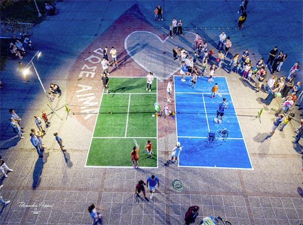 Γιάννενα: Η πλατεία Μαβίλη έγινε για μία βραδιά… γήπεδο τένις