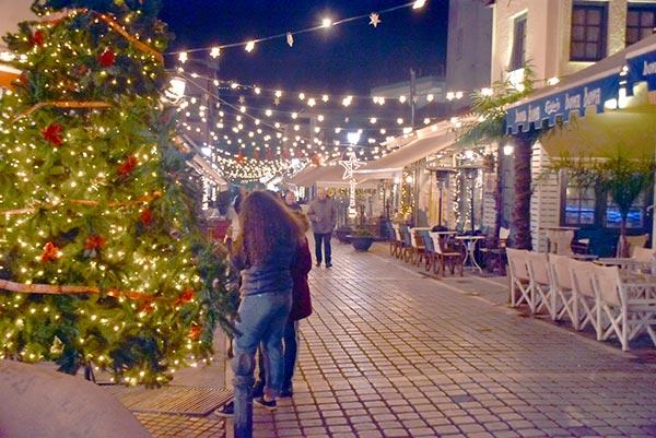 Γιάννενα: Τα Γιάννενα έτοιμα να υποδεχθούν τους επισκέπτες των εορτών!