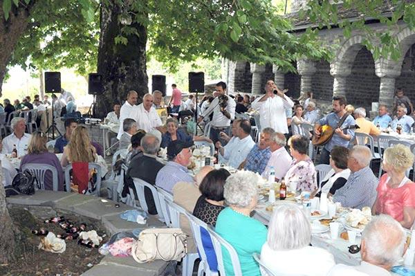 Γιάννενα: Η Πανηπειρωτική στέκεται δίπλα στους καλλιτέχνες παραδοσιακής μουσικής