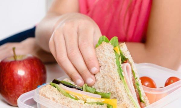 Ήπειρος: «Σχολικά γεύματα» και για 52 Δημ. Σχολεία της Ηπείρου