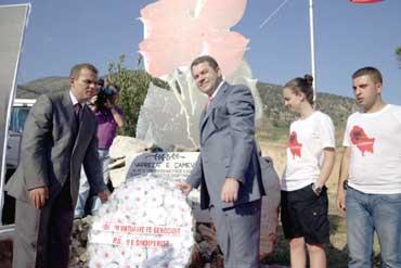 Οι Τσάμηδες χτίζουν μνημείο… γενοκτονίας!